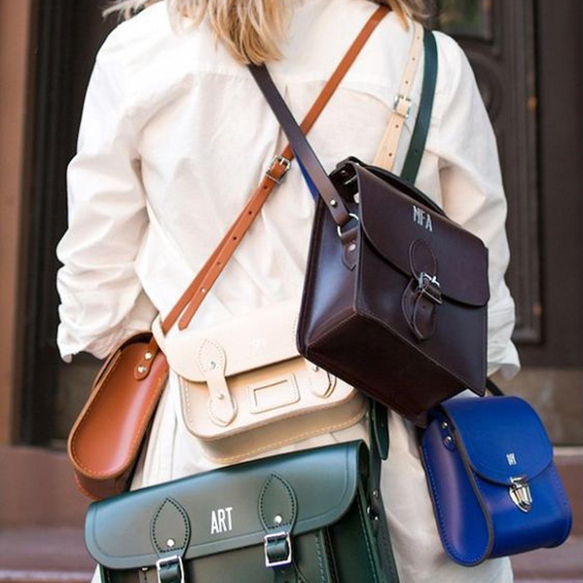 1fbdc26a051c Jak se dělí kabelky a jak je nosit  - Blaire shop